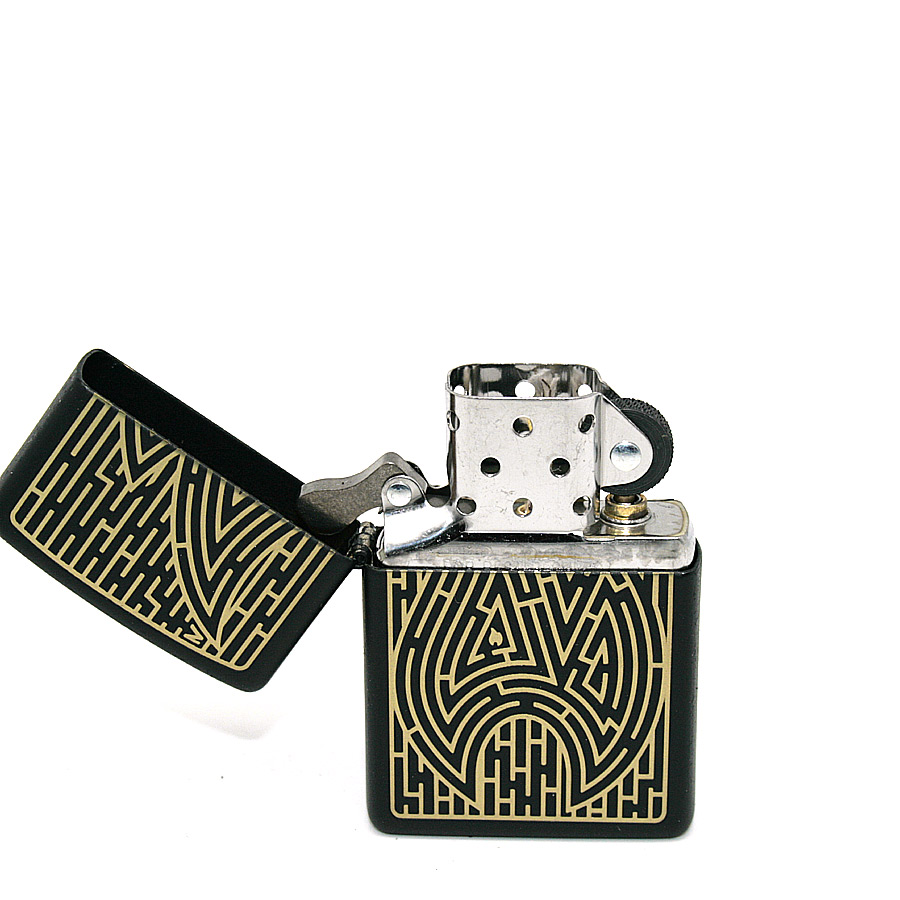Zippo Feuerzeug Maze Design Black matt